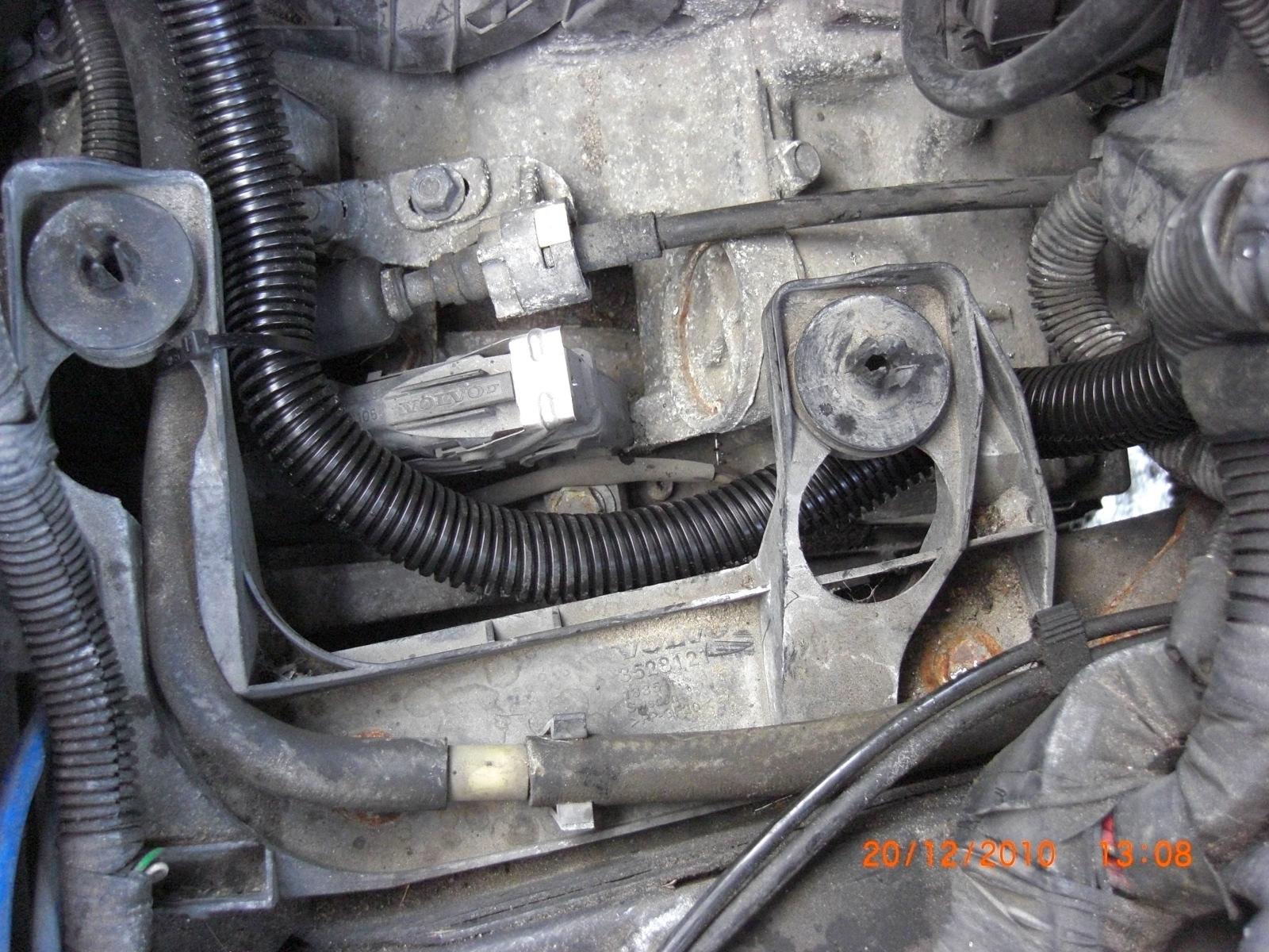 b plus battery cable fix 13 b terminal repair main fuse box  at bayanpartner.co