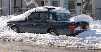 Volvo 240 in snow