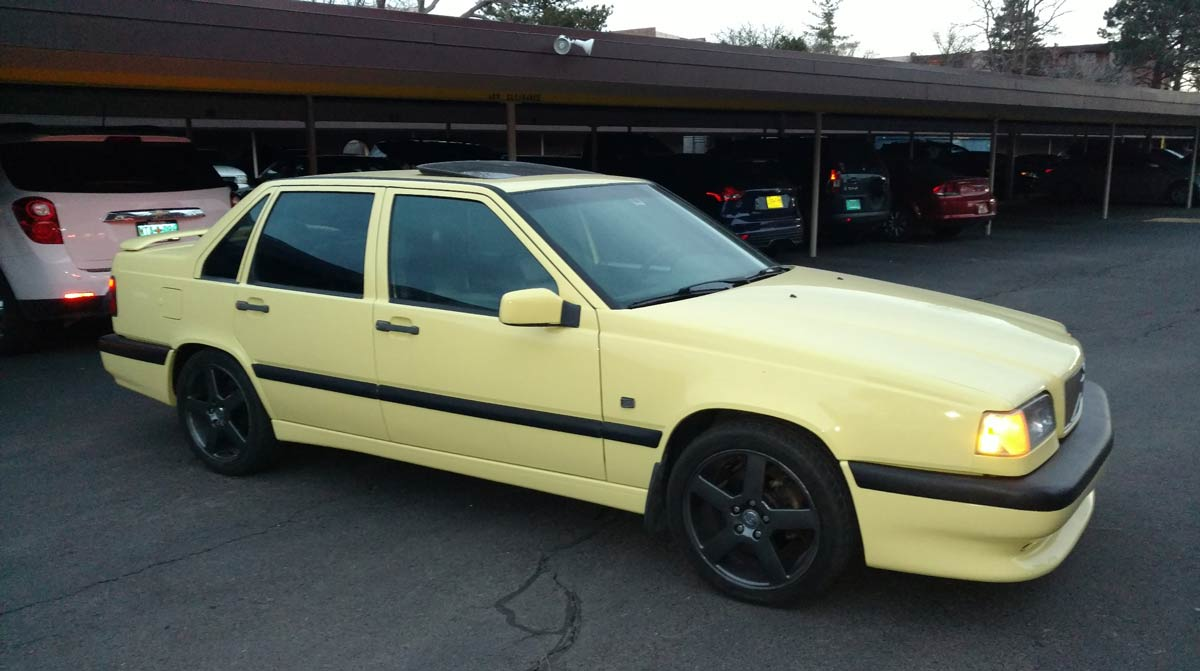 1995 Volvo 850 T-5R Yellow Sedan