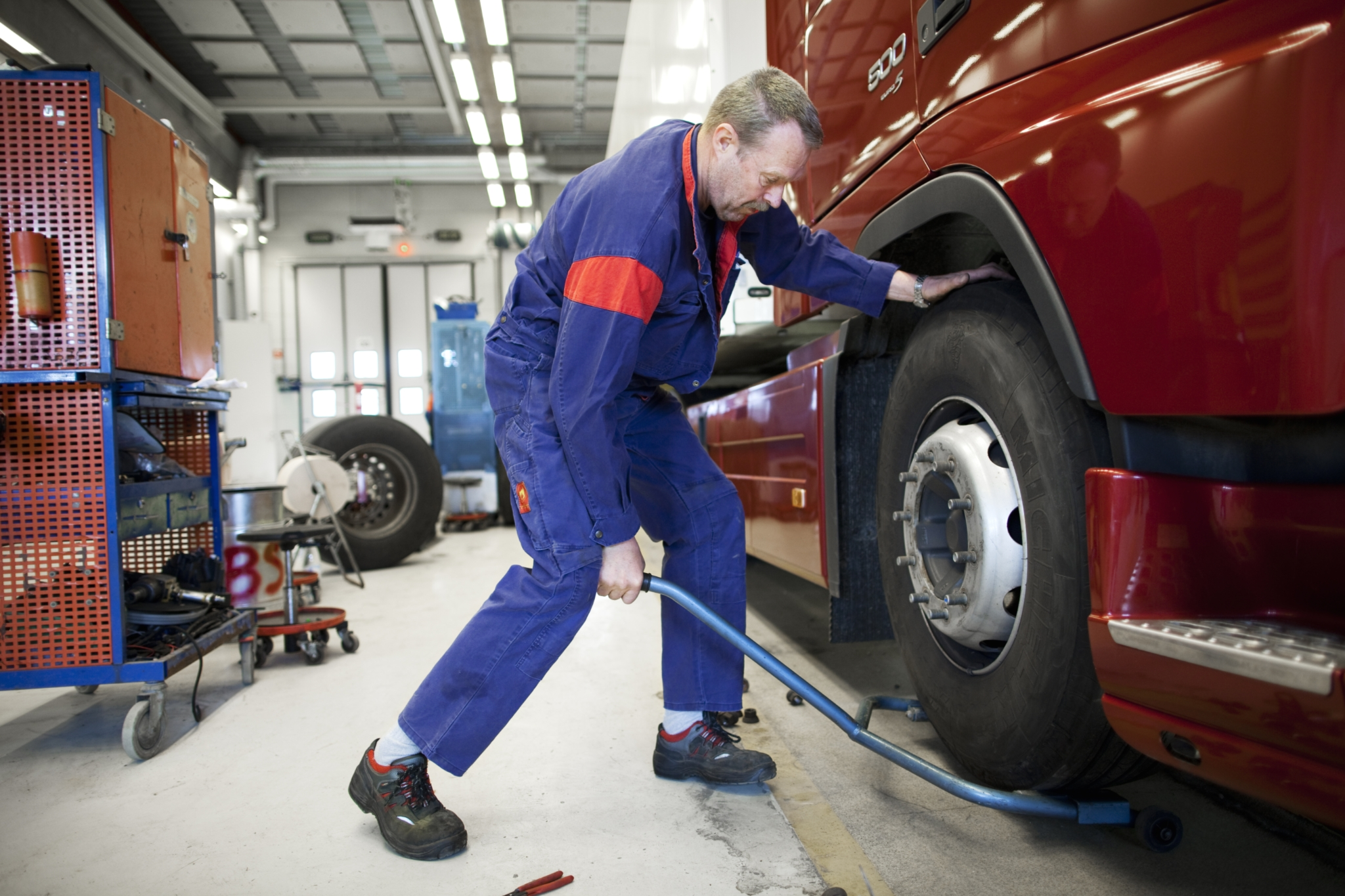 volvo wheel alignment