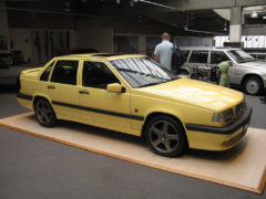 Volvo Cream Yellow T5 R paint code 607