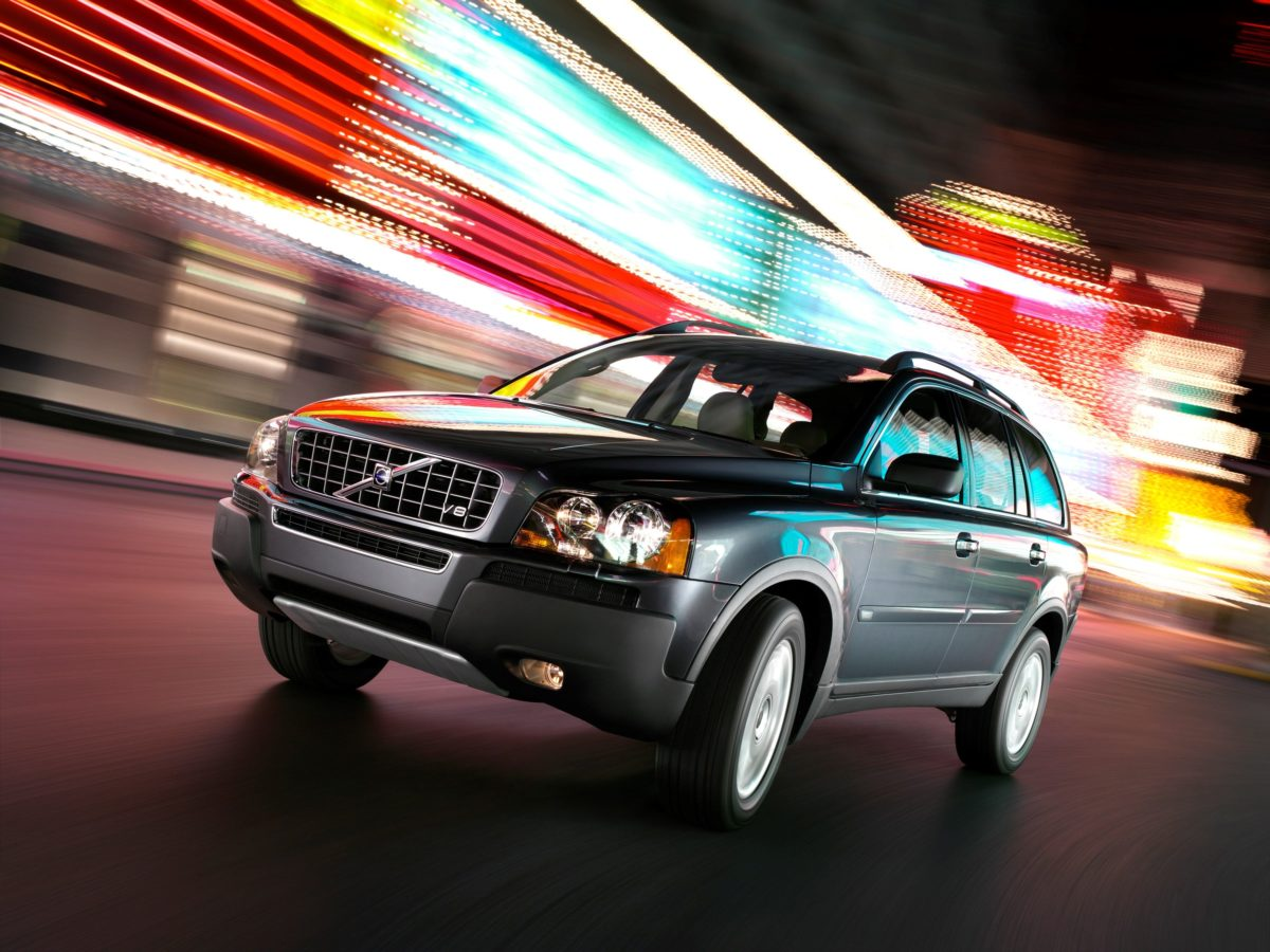Volvo XC90 First Generation -  city, Exterior, night