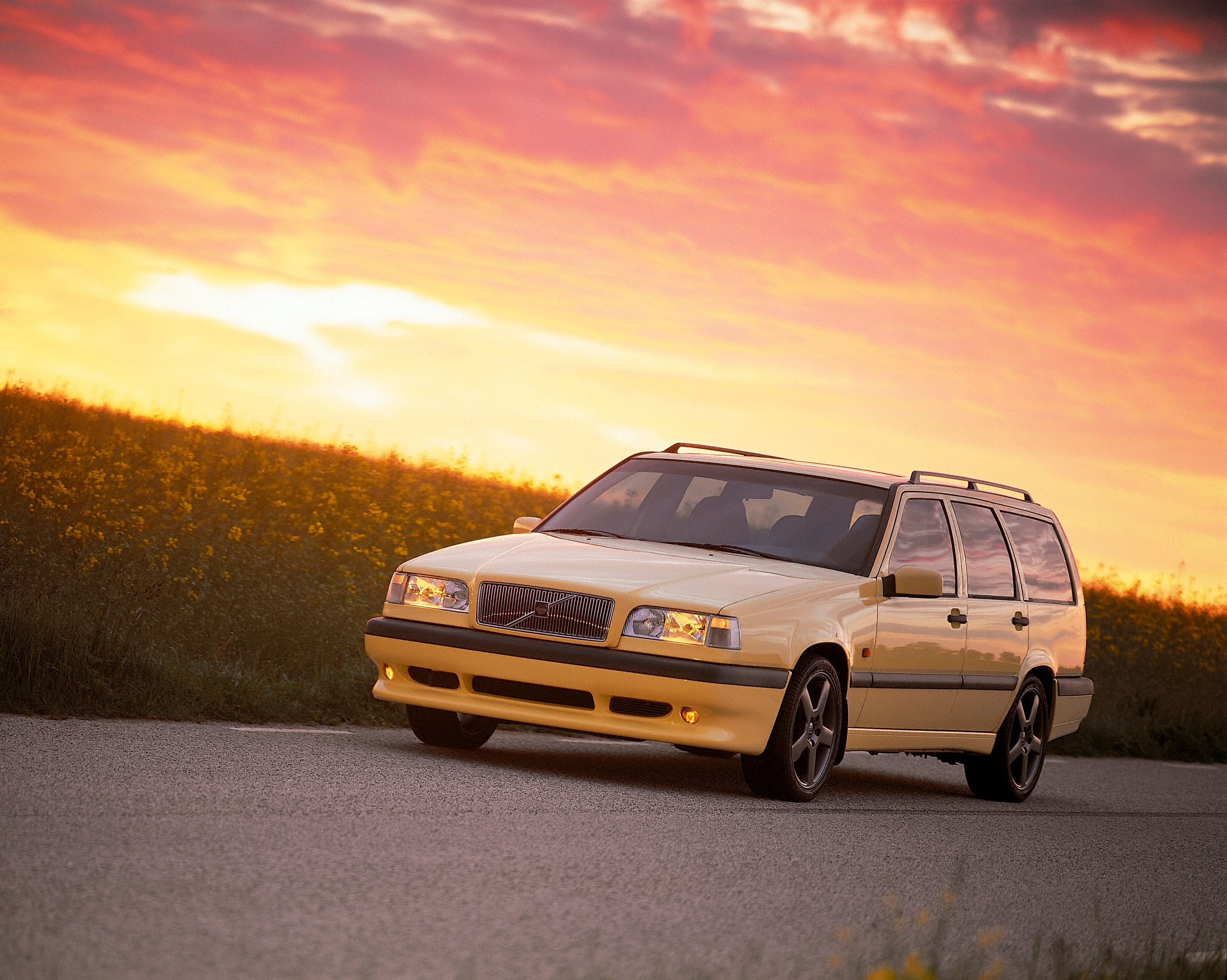 1995 Volvo 850 T 5r, Yellow -  850, 850 wagon, 1995, Exterior, Historical, Images, R