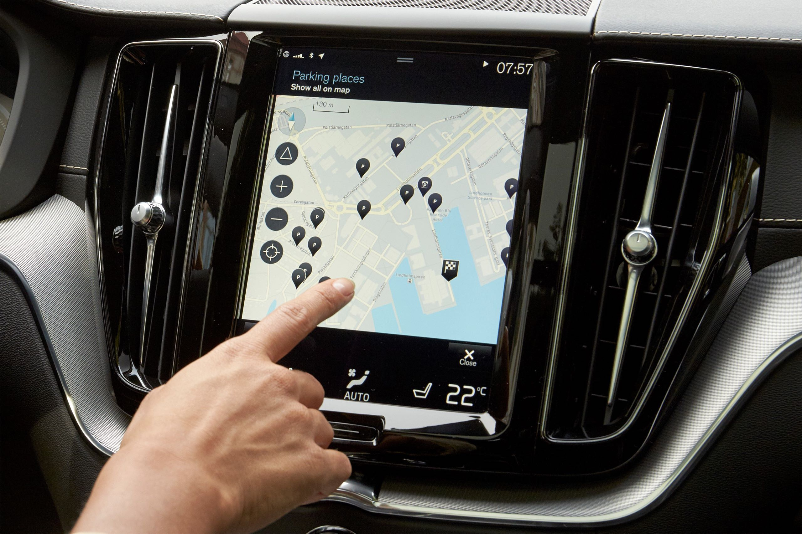 Park And Pay Application In The Volvo XC60 -  2017, 2018, 2018 New XC40, Images, Interior, New XC40, Technology