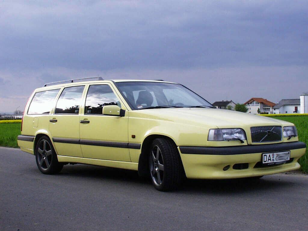 Volvo 850r Cream Yellow Wagon -